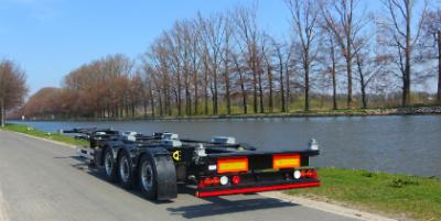 Achteraanzicht LAG Trailers Container chassis 40 FT multifunctioneel